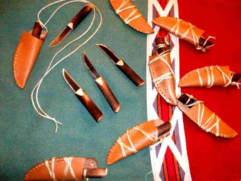 neckknives2_sm